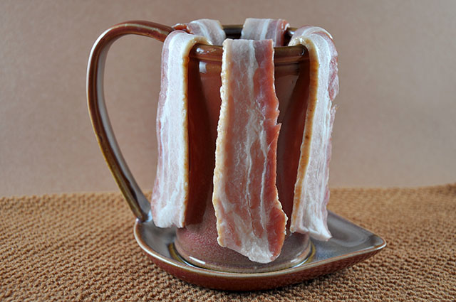Ceramic Bacon Cooker - inspirationkitchen.com