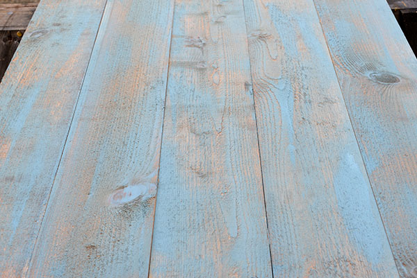 DIY: How To Make A Distressed Wood Tabletop for Food Photography - inspirationkitchen.com