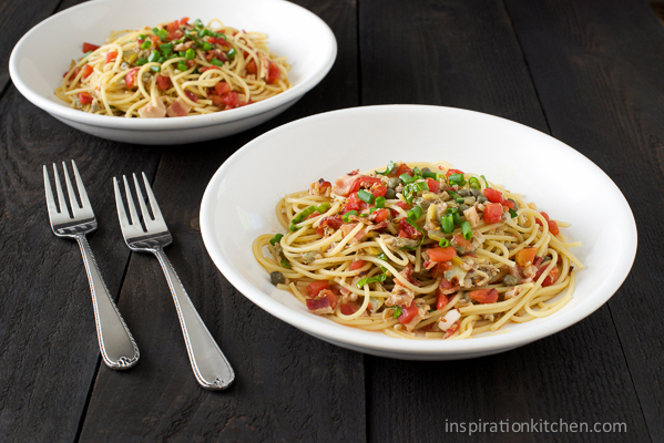 Spaghetti with Spicy Red Pepper & Garlic Clam Sauce - inspirationkitchen.com