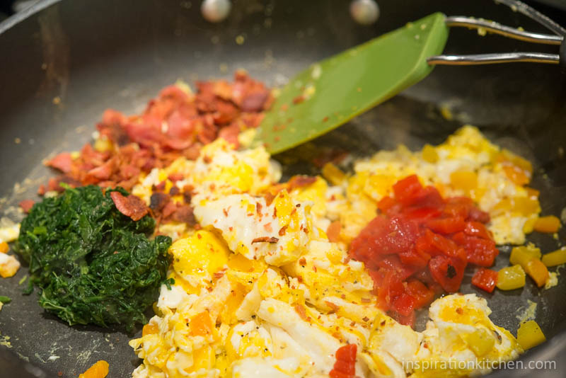 Roasted Red Pepper Spinach Scramble | Inspiration Kitchen-3742