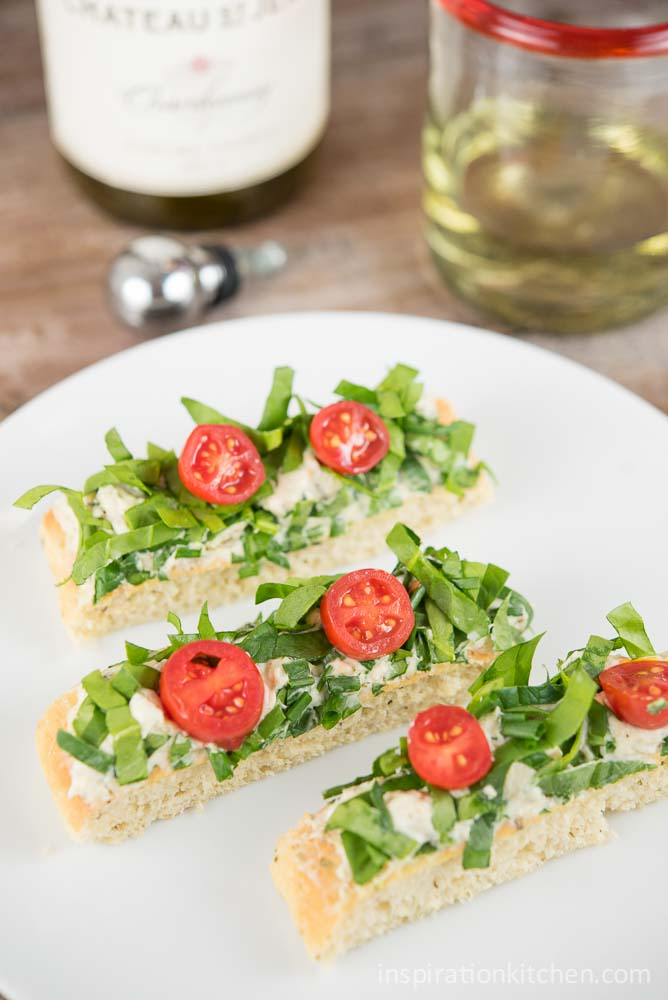 Spinach Tomato Flatbread | Inspiration Kitchen