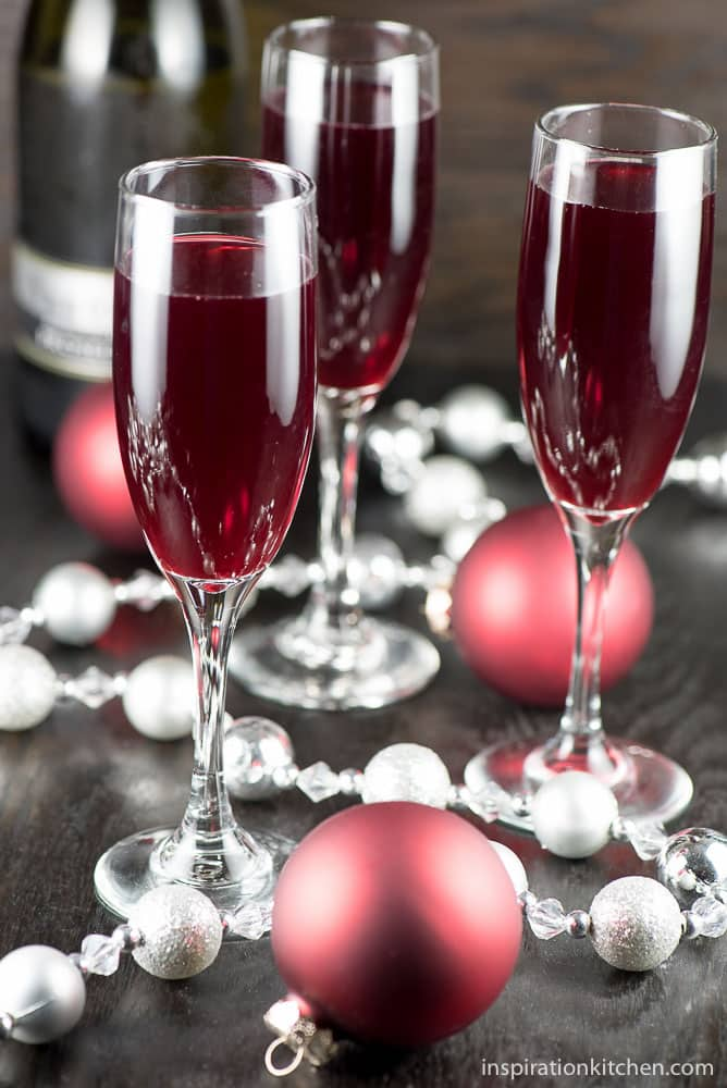 Cranberry Mimosa Cocktail - inspirationkitchen.com